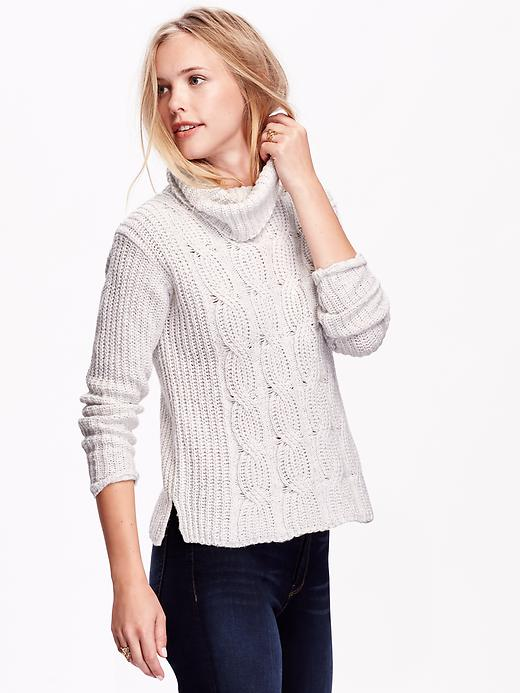 Shop Chadwicks of Boston for clearance dresses, skirts, pants, blazers, outerwear, tops, sweaters, activewear, swimwear, shoes and accessories for women. Each beautiful style in our clearance department offers up high-quality and low, discount pricing.